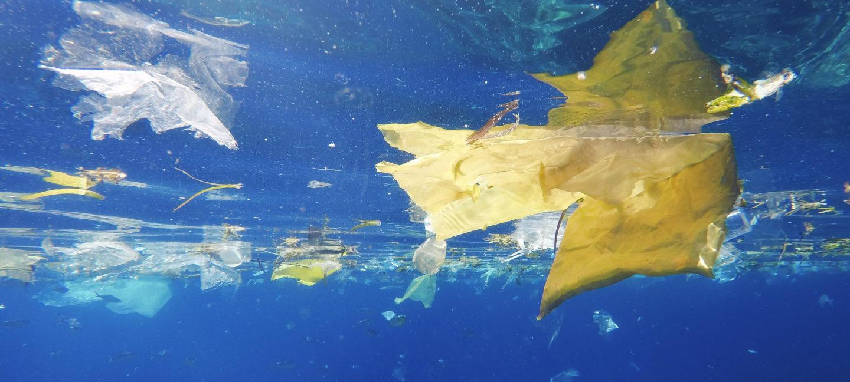 Plast som flyter i havet