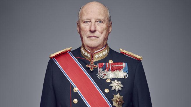 Kong Harald i festantrekk